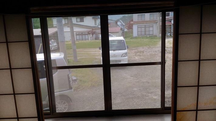 新五郎湯、窓の外
