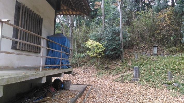 常念寺後ろから下山