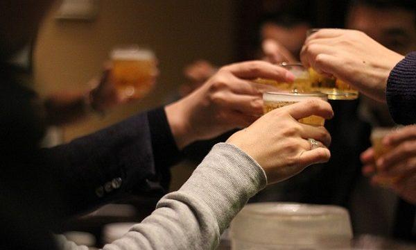 飲み会、乾杯