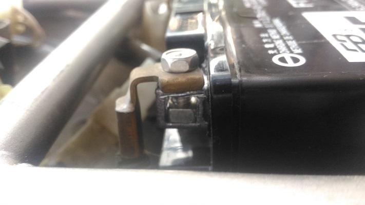 バッテリーネジの付け方