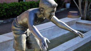 子ども銅像