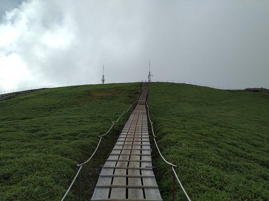 整備された山頂